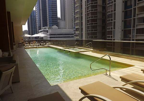 Waldorf Astoria Panama pool