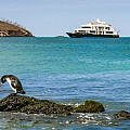 small ship Galapagos luxury tour