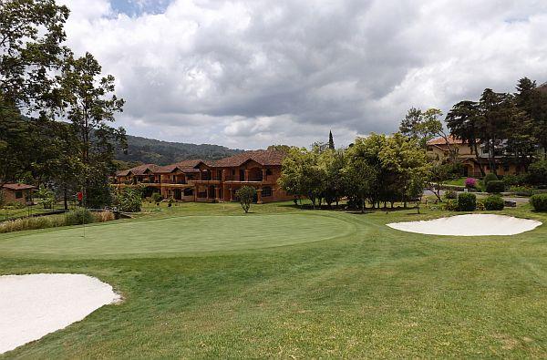 Boquete golf course Valle Escondido