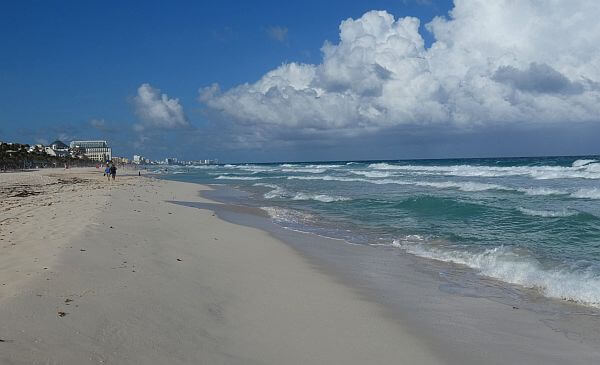 Cancun beach in front of Westin rentals