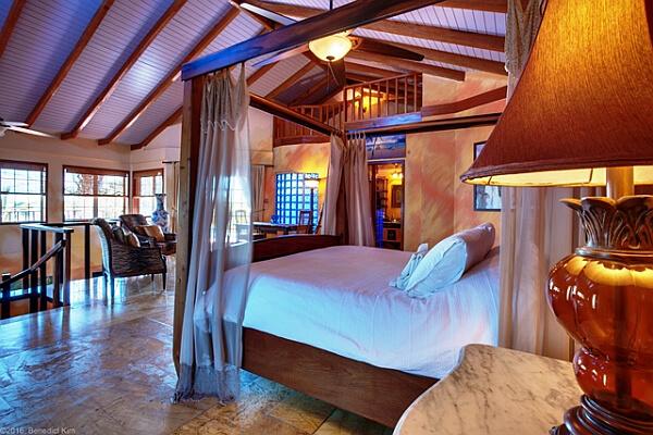 second floor loft bedroom in villa