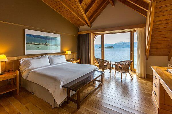 room with lake view at Correntoso Hotel