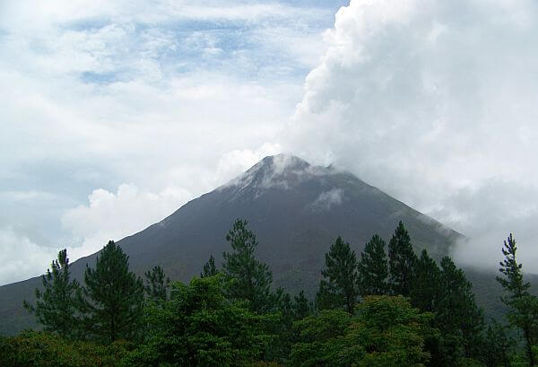 best time of year to visit Arenal Volcano