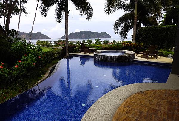Renting a luxury villa in los sue os costa rica for Luxury villas in costa rica