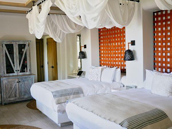 guest room at Esperanza Los Cabos