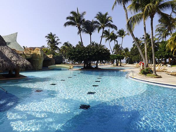 Fairmont Acapulco pool