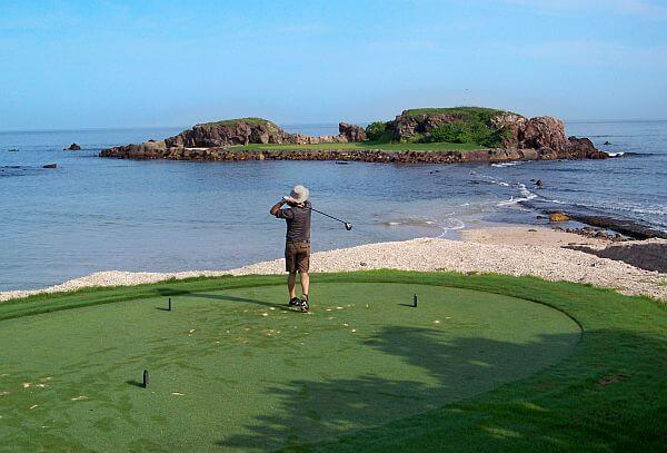 Punta de Mita golf island hole