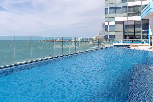 Cartagena Intercontinental Hotel swimming pool