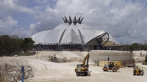 Cirque du Soleil construction
