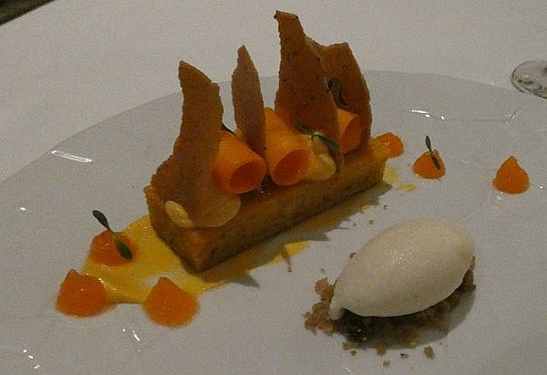 carrot cake at Lumiere restaurant Cancun