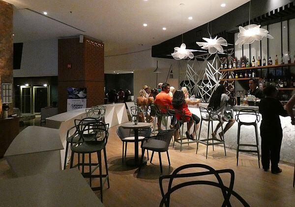 Cancun adult all-inclusive hotel bar