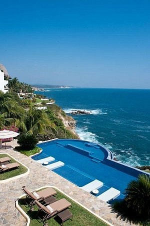 luxury home for sale in Huatulco Mexico