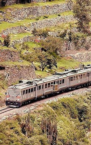 Inca rail to Machu Picchu in luxury style from Ollantaytambo or near Cusco.