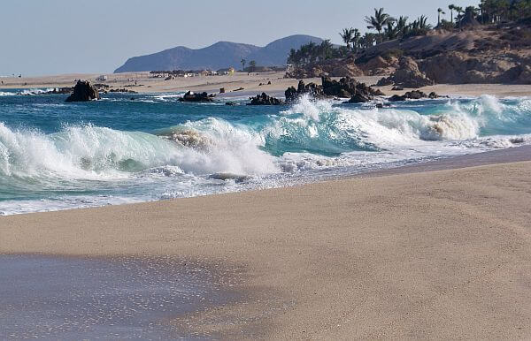 rough waves on Cabo beach