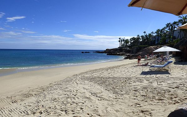 Palmilla beach for swimming in Cabo