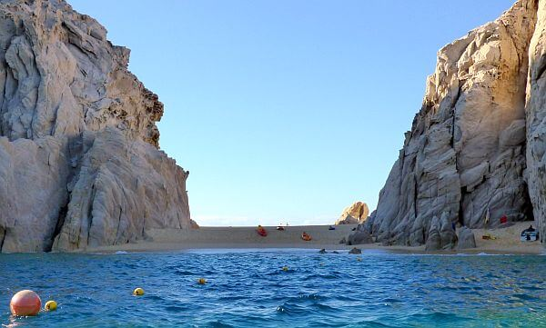 Lover's beach Los Cabos safe for swimmers