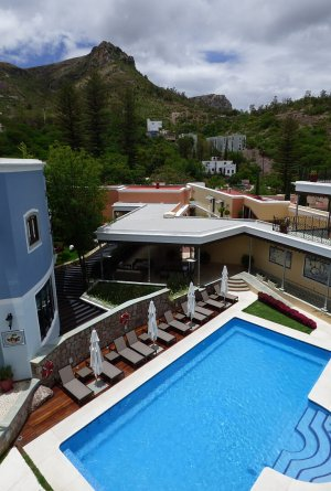 Guanajuato luxury hotel pool
