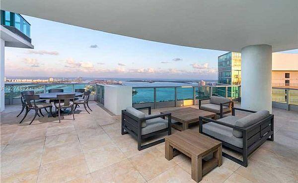 900 Biscayne Bay Miami Condos