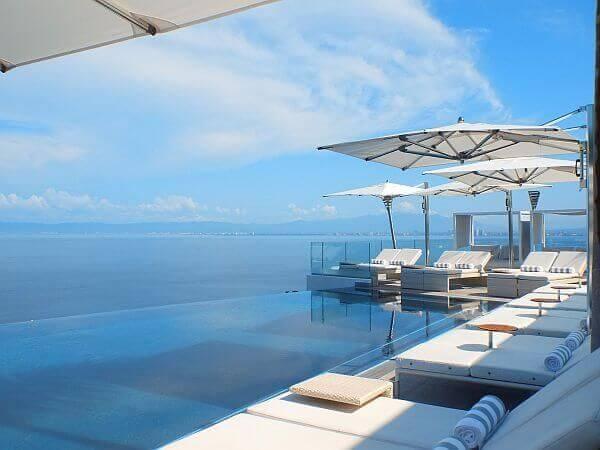 Hotel Mousai infinity pool