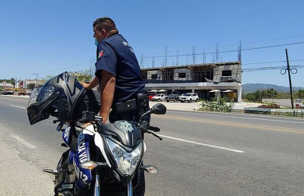 Mexican highway policeman