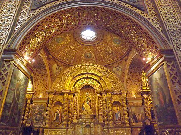 Visit Quito La Compania church