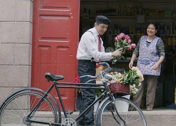 flower seller in San Marcos Quito