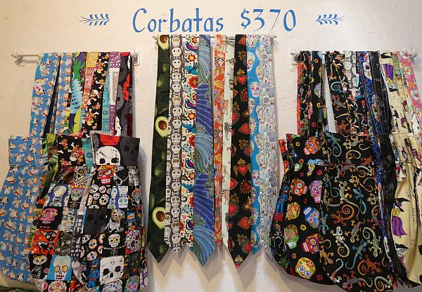 Abrazos boutique with Mexican fabrics and clothing