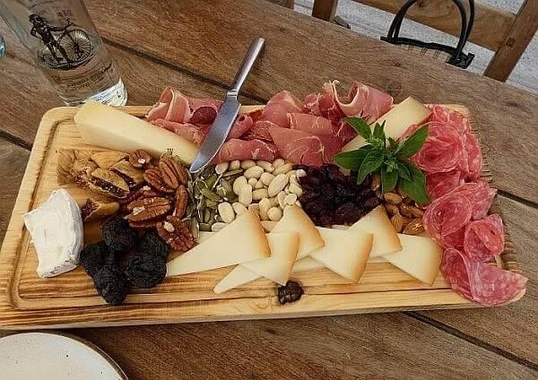 tasting platter at winery near San Miguel de Allende