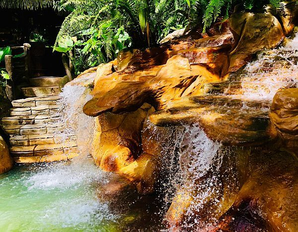Hot springs near Arenal and Fortuna at a luxury resort