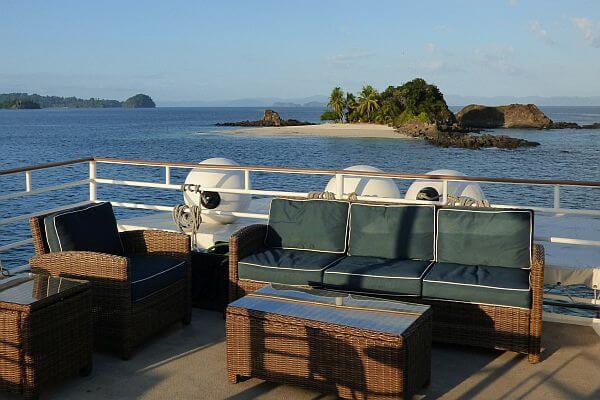 Uncruise secret beaches Panama