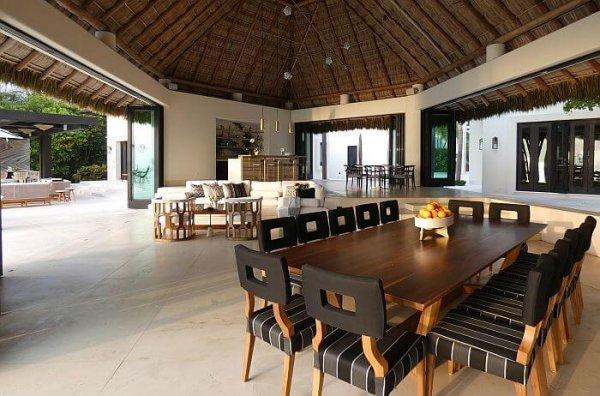 Casa Fortuna living room