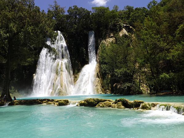 huasteca waterfall